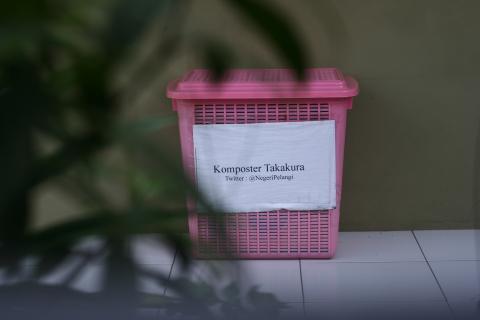 foto-seri-keranjang-komposter-takakura.480.320.s